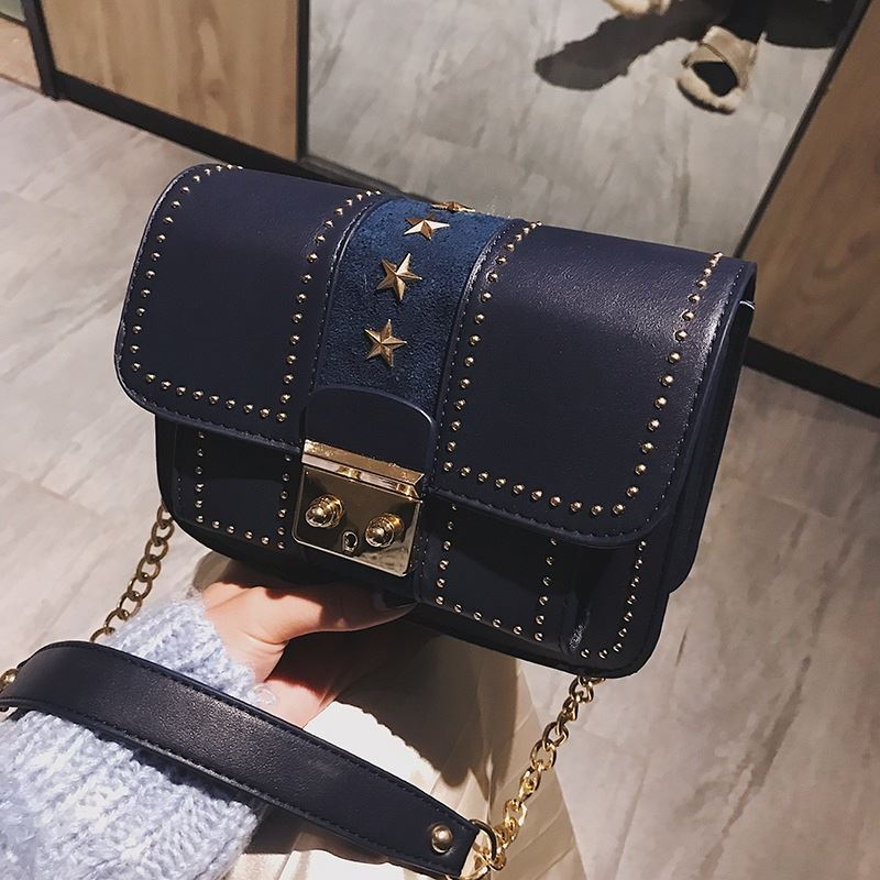 JT1872 IDR.175.000 MATERIAL PU SIZE L20XH13XW8CM WEIGHT 550GR COLOR BLUE