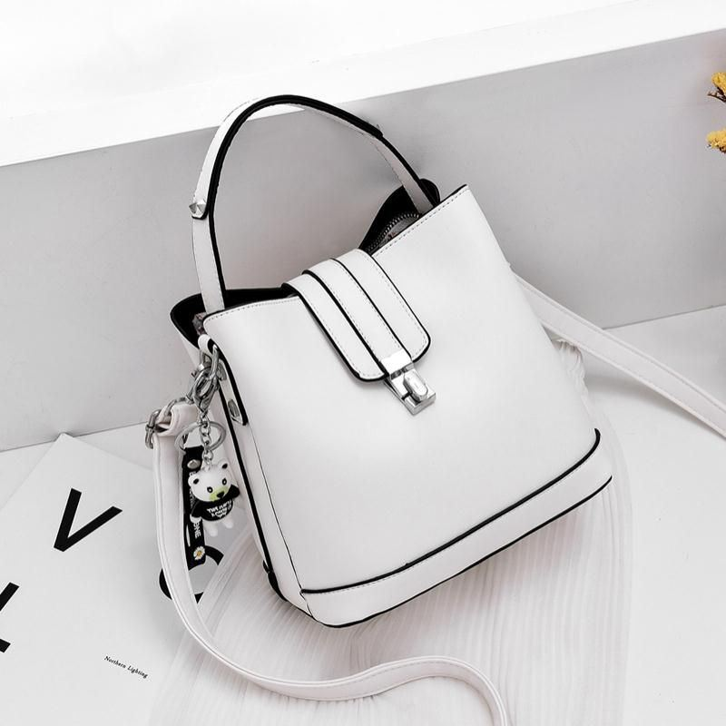 JT18790 IDR.172.000 MATERIAL PU SIZE L19XH20XW12CM WEIGHT 680GR COLOR WHITE