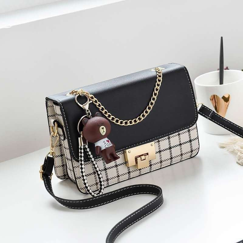 JT1882C IDR.168.000 MATERIAL PU SIZE L22XH16XW6CM WEIGHT 500GR COLOR BLACK