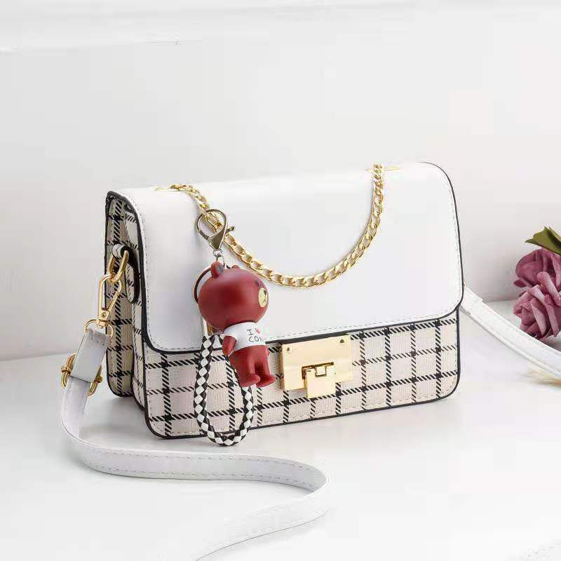 JT1882C IDR.168.000 MATERIAL PU SIZE L22XH16XW6CM WEIGHT 500GR COLOR WHITE