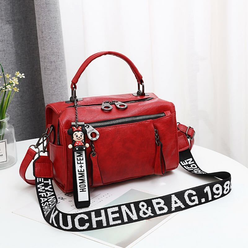 JT19020 IDR.165.000 MATERIAL PU SIZE L25XH17XW13CM WEIGHT 600GR COLOR RED