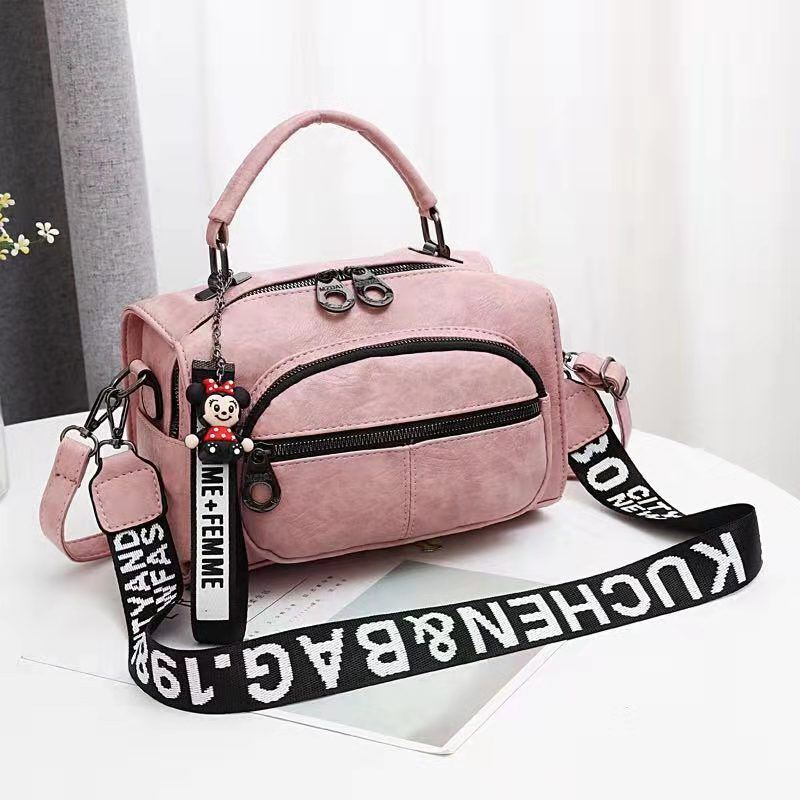 JT19021 IDR.165.000 MATERIAL PU SIZE L25XH17XW13CM WEIGHT 700GR COLOR LIGHTPINK