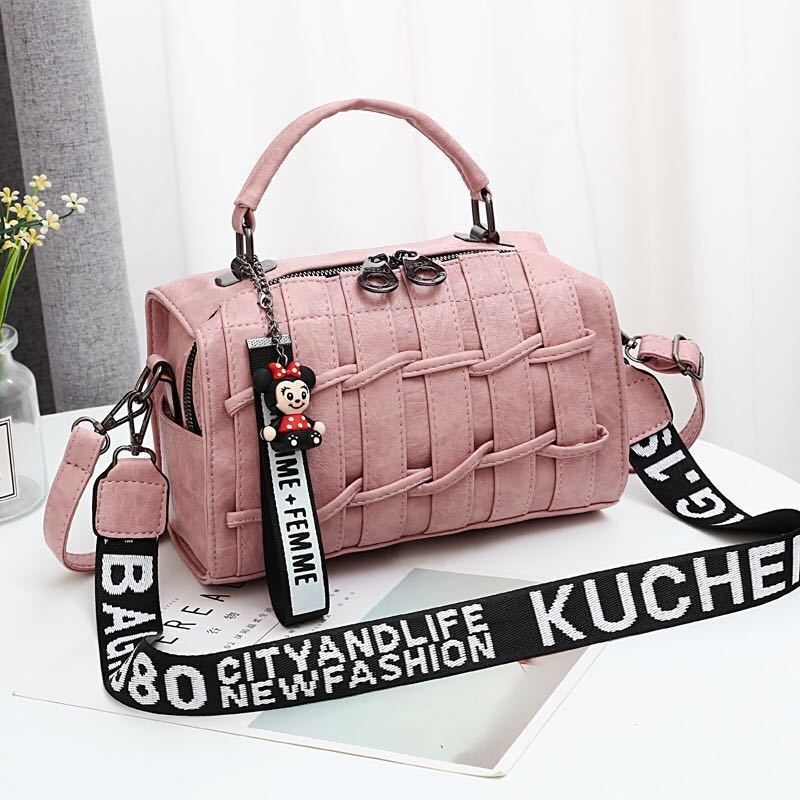 JT19022 IDR.170.000 MATERIAL PU SIZE L25XH17XW13CM WEIGHT 600GR COLOR PINK