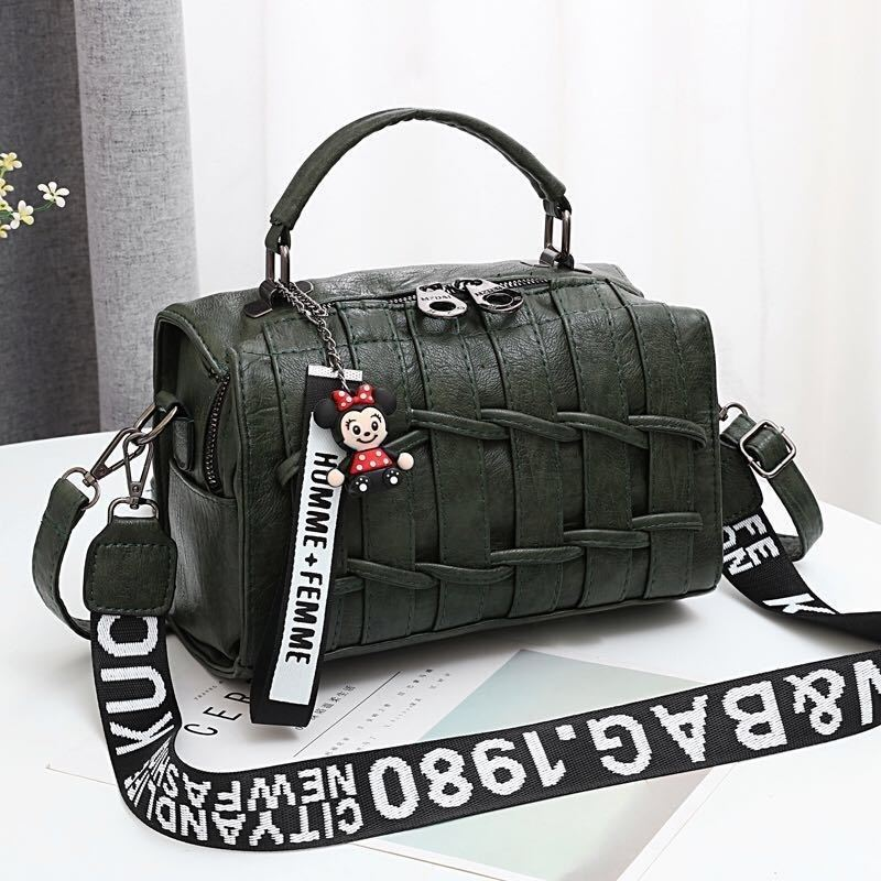JT19022 IDR.175.000  MATERIAL PU SIZE L25XH17XW13CM WEIGHT 600GR COLOR GREEN