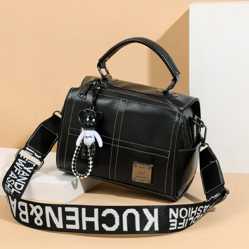 JT1912 IDR.169.000 MATERIAL PU SIZE L20XH16XW13CM WEIGHT 500GR COLOR BLACK