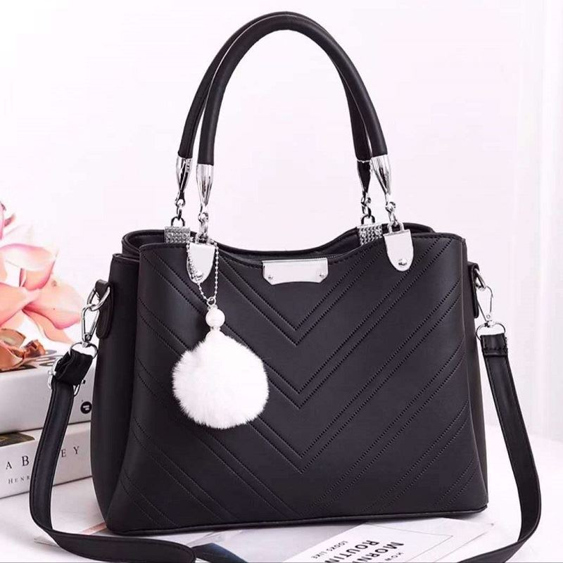JT1933 IDR.194.000 MATERIAL PU SIZE L28XH21XW13CM WEIGHT 800GR COLOR BLACK