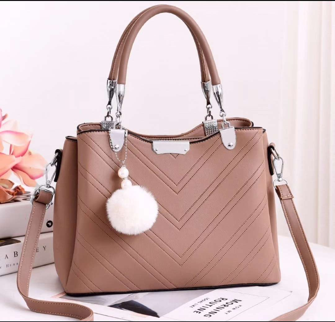 JT1933 IDR.194.000 MATERIAL PU SIZE L28XH21XW13CM WEIGHT 800GR COLOR KHAKI