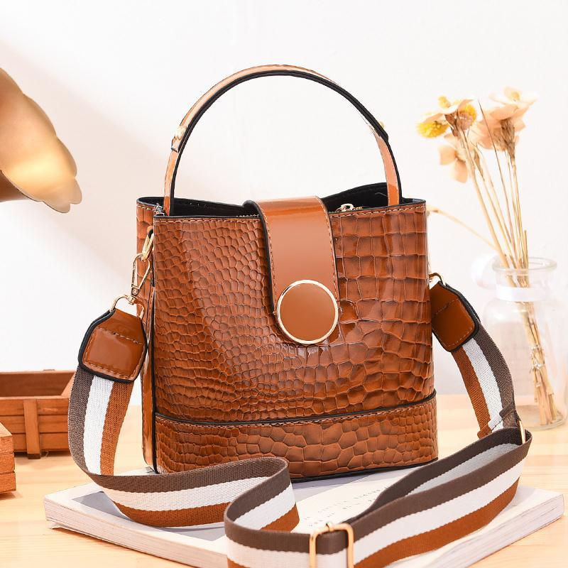 JT19385 IDR.175.000 MATERIAL PU SIZE L20XH19XW11CM WEIGHT 600GR COLOR BROWN