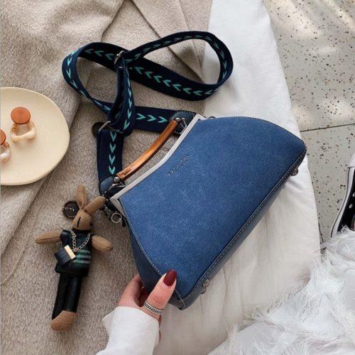 JT1952-blue Tas Selempang Gagang Kayu Gantungan Bunny