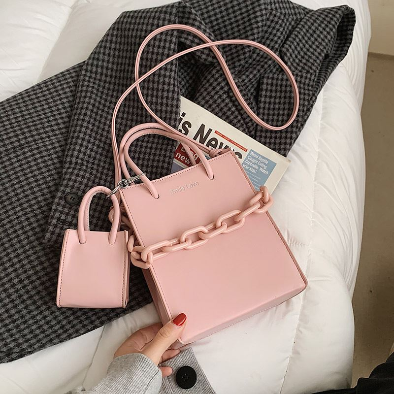 JT2025 (2IN1) IDR.172.000 MATERIAL PU SIZE L17XH20XW8CM WEIGHT 440GR COLOR PINK