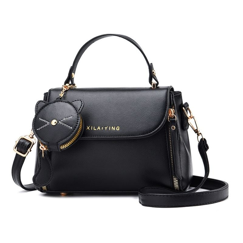 JT20352 (2IN1) IDR.181.000 MATERIAL PU SIZE L20XH16XW10CM WEIGHT 650GR COLOR BLACK