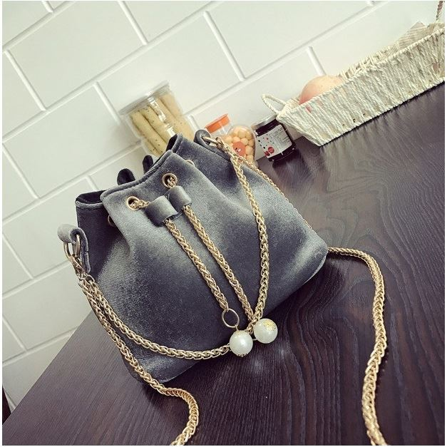 JT208658 IDR.130.000 MATERIAL MAONI SIZE L22XH22XW15CM WEIGHT 400GR COLOR GRAY