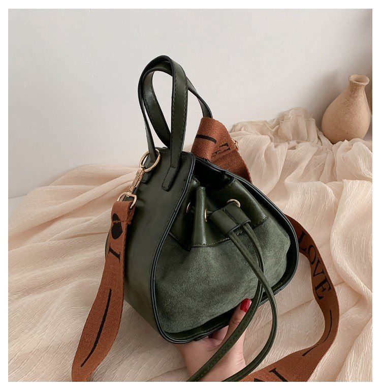 JT214548 IDR.162.000 MATERIAL PU SIZE L15XH19XW11CM  WEIGHT 400GR COLOR GREEN