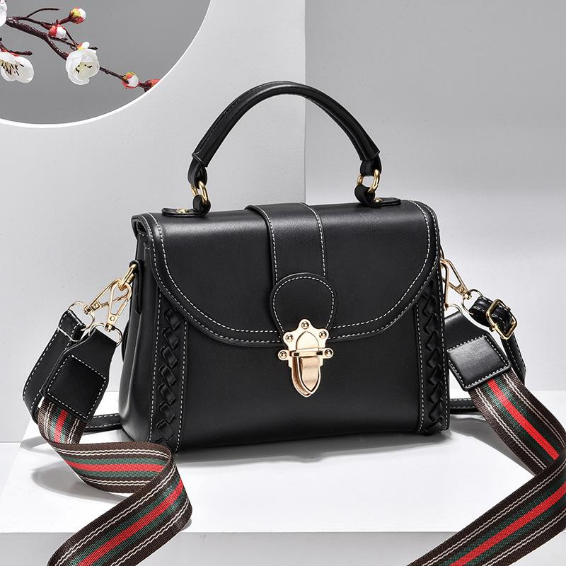 JT2182 IDR.182.000 MATERIAL PU SIZE L22XH16XW10CM WEIGHT 550GR COLOR BLACK