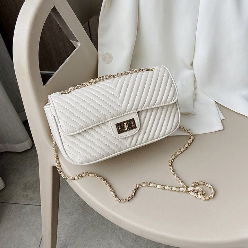 JT2203 IDR.178.000 MATERIAL PU SIZE L23XH13XW8CM WEIGHT 450GR COLOR BEIGE
