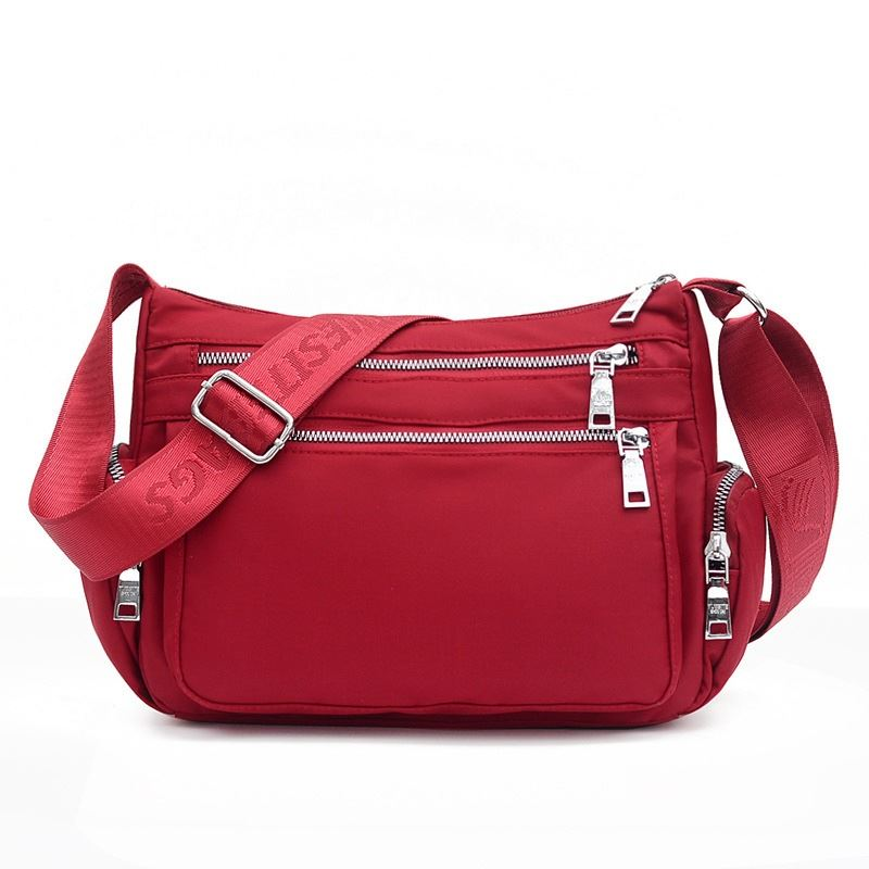 JT264514 IDR.155.000 MATERIAL NYLON SIZE L30XH20XW11CM WEIGHT 400GR COLOR RED