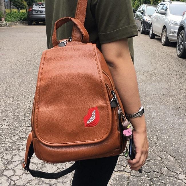 JT2672 IDR.177.000 MATERIAL PU SIZE L23XH29XW10CM WEIGHT 800GR COLOR BROWN