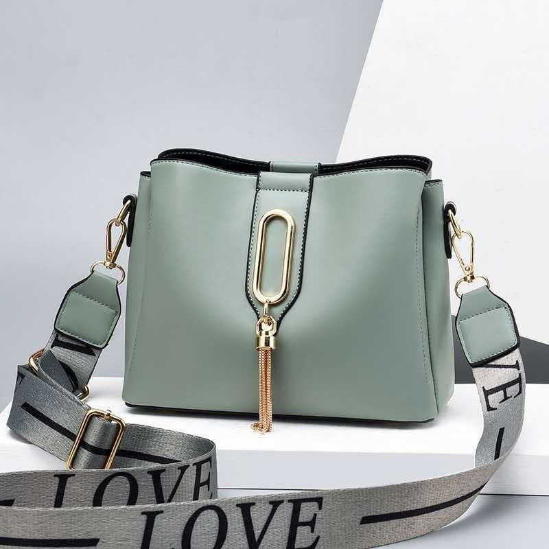 JT28090 IDR.166.000 MATERIAL PU SIZE L22XH10XW7CM WEIGHT 600GR COLOR GREEN