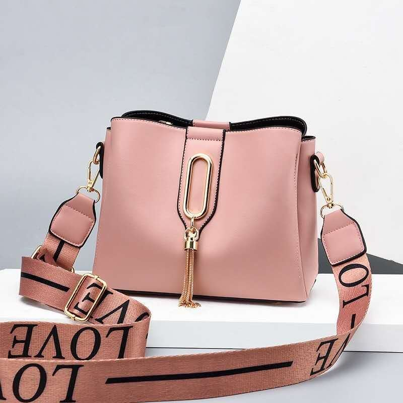 JT28090 IDR.166.000 MATERIAL PU SIZE L22XH10XW7CM WEIGHT 600GR COLOR PINK