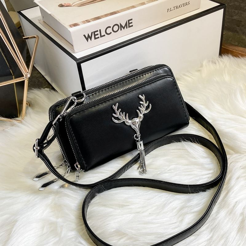 JT28765 IDR.155.000 MATERIAL PU SIZE L20XH10XW6CM WEIGHT 450GR COLOR BLACK