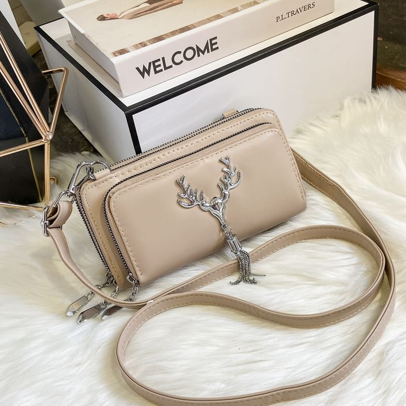 JT28765 IDR.155.000 MATERIAL PU SIZE L20XH10XW6CM WEIGHT 450GR COLOR KHAKI