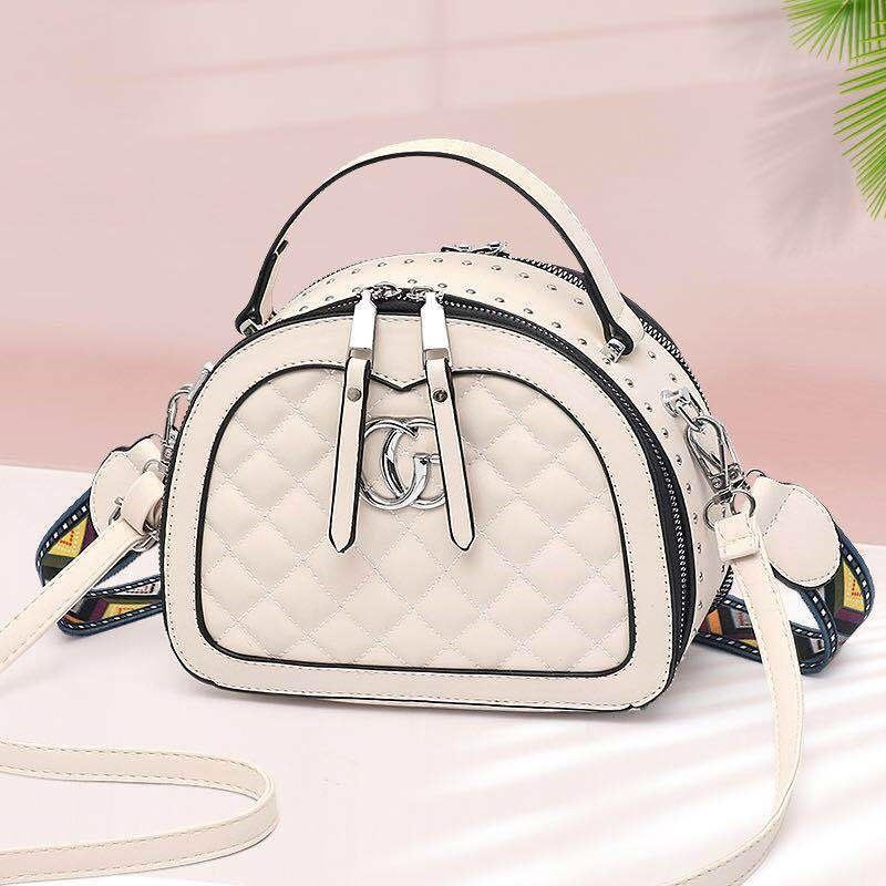 JT28971 IDR.175.000 MATERIAL PU SIZE L21XH16.5XW10.5CM WEIGHT 700GR COLOR BEIGE