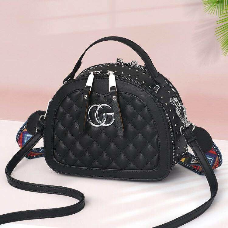 JT28971 IDR.175.000 MATERIAL PU SIZE L21XH16.5XW10.5CM WEIGHT 700GR COLOR BLACK