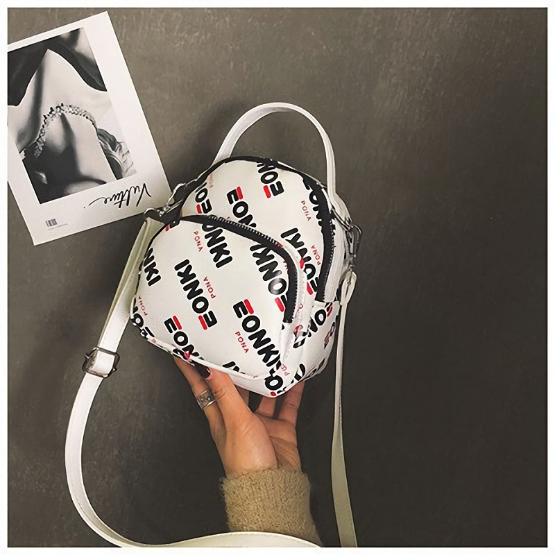 JT3017 IDR.125.000 MATERIAL PU SIZE L16XH19X8.5CM WEIGHT 350GR COLOR WHITE