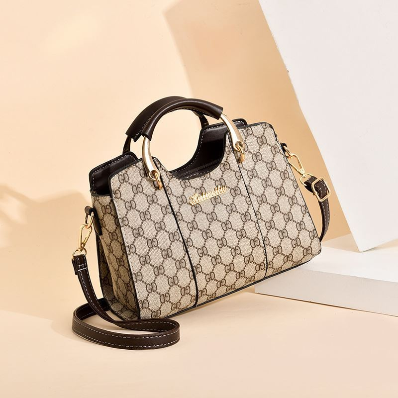JT3021 IDR.176.000  MATERIAL PU SIZE L25XH19XW13CM WEIGHT 650GR COLOR GDCOFFEE