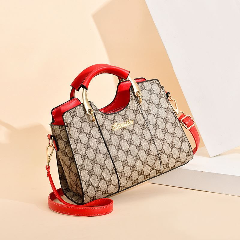 JT3021 IDR.176.000  MATERIAL PU SIZE L25XH19XW13CM WEIGHT 650GR COLOR GDRED