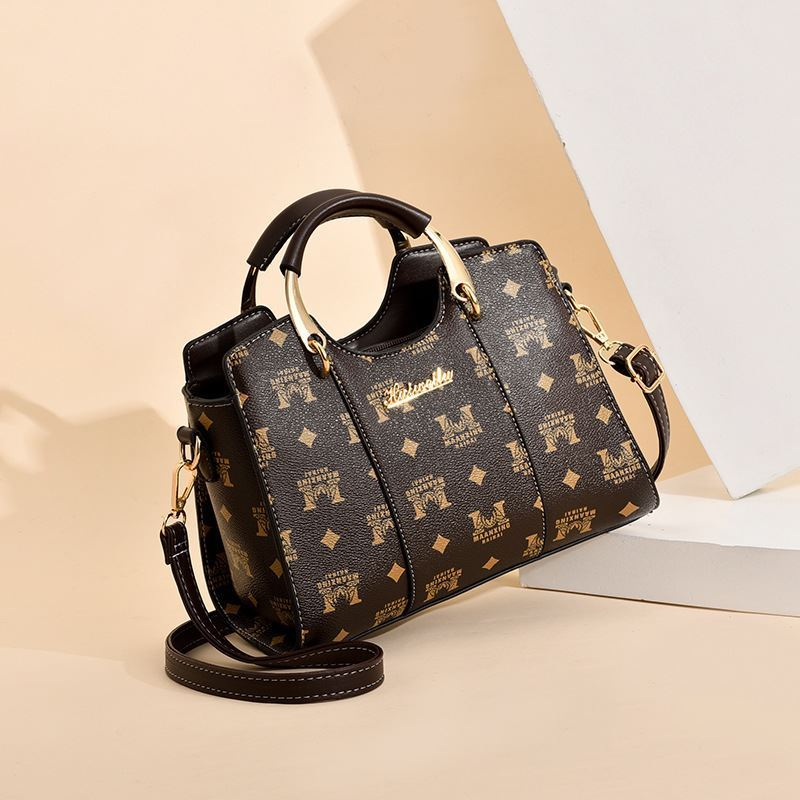 JT3021 IDR.176.000  MATERIAL PU SIZE L25XH19XW13CM WEIGHT 650GR COLOR MCOFFEE