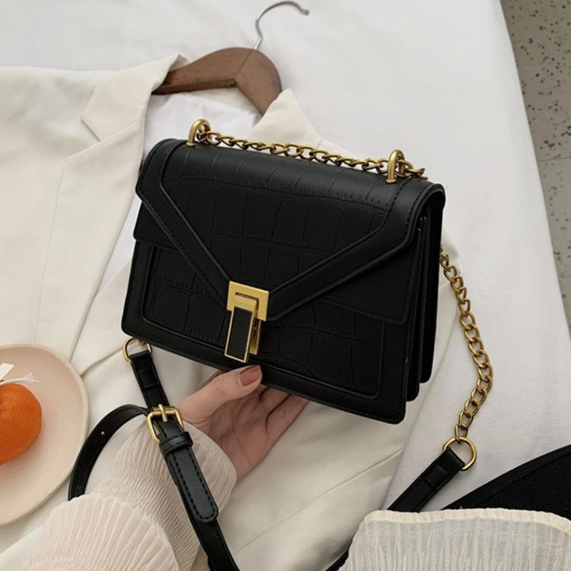 JT30343 IDR.167.000 MATERIAL PU SIZE L22XH15.5XW8CM WEIGHT 550GR COLOR BLACK