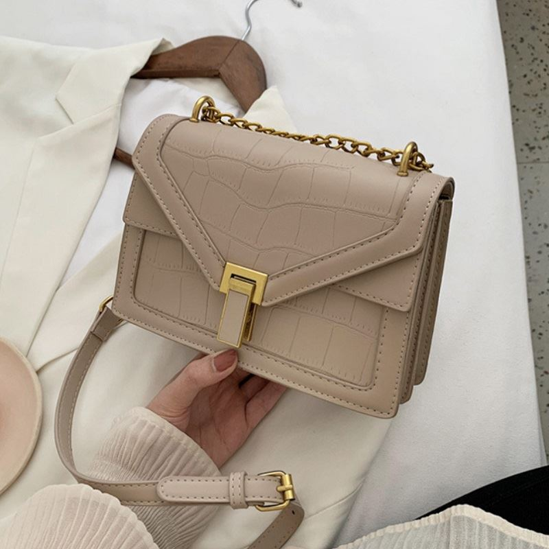 JT30343 IDR.167.000 MATERIAL PU SIZE L22XH15.5XW8CM WEIGHT 550GR COLOR KHAKI