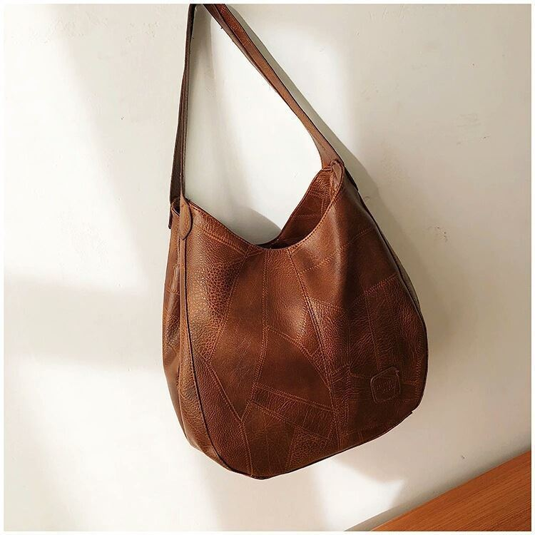 JT30346 IDR.167.000 MATERIAL PU SIZE L24XH31XW10CM WEIGHT 450GR COLOR BROWN