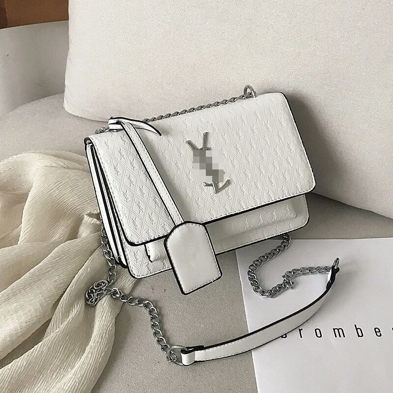 JT3133 IDR.182.000 MATERIAL PU SIZE L22XH15XW10CM WEIGHT 660GR COLOR WHITE