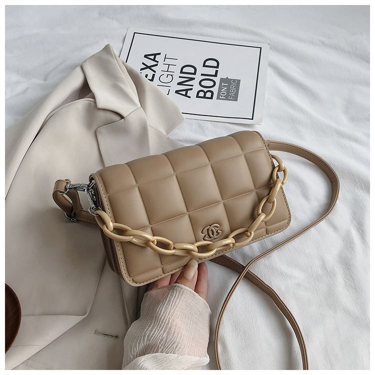 JT3136 IDR.163.000 MATERIAL PU SIZE L22XH14XW7CM WEIGHT 600GR COLOR KHAKI