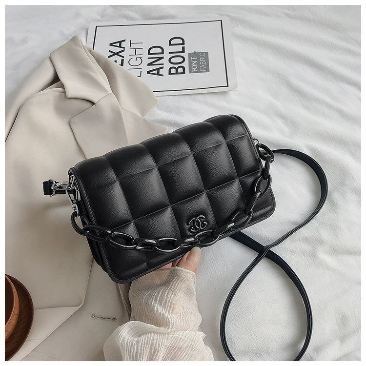 JT3136 IDR.173.000 MATERIAL PU SIZE L22XH14XW7CM WEIGHT 600GR COLOR BLACK