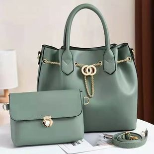 JT3186 (2IN1) IDR.188.000 MATERIAL PU SIZE L31XH28XW14CM WEIGHT 1200GR COLOR LIGHTGREEN