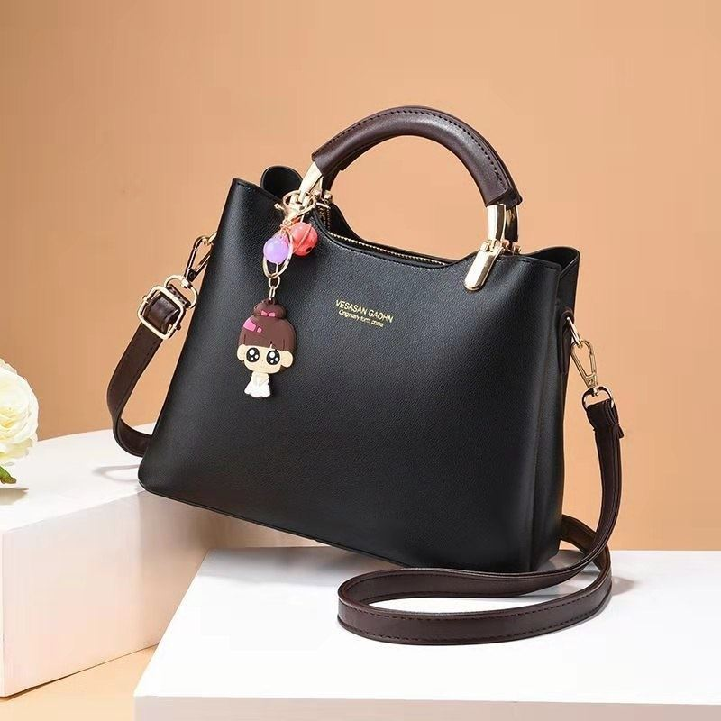 JT328 IDR.165.000 MATERIAL PU SIZE L25XH20XW12CM WEIGHT 700GR COLOR BLACK