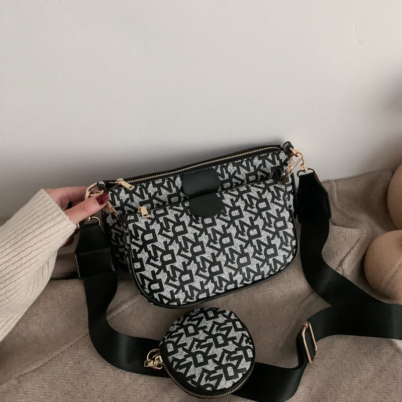 JT3343 (3IN1) IDR.176.000 MATERIAL PU SIZE L23XH13XW4.5CM WEIGHT 500GR COLOR BLACK