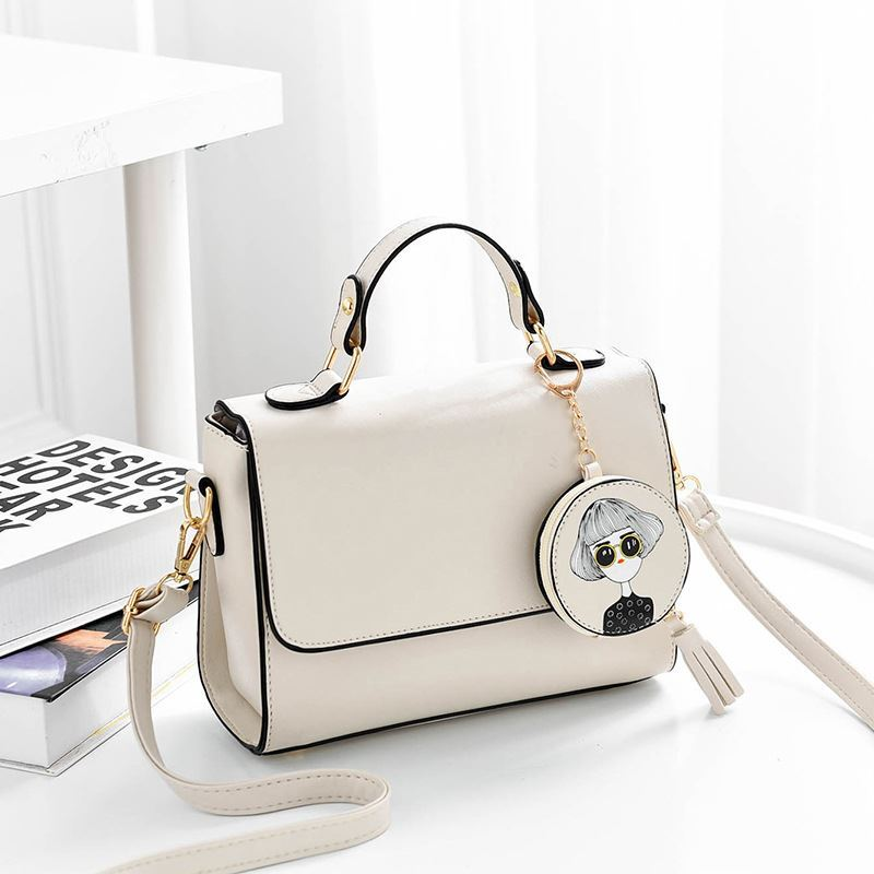 JT337 IDR.163.000 MATERIAL PU SIZE L24XH19XW11.5CM WEIGHT 700GR COLOR BEIGE