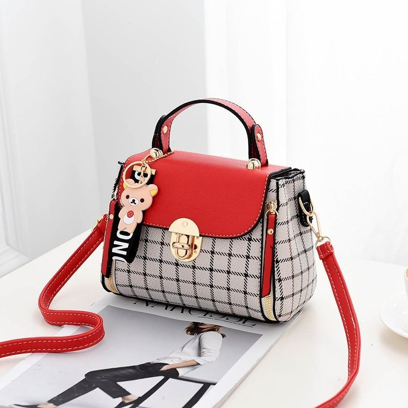 JT387 IDR.142.000 MATERIAL CANVAS SIZE L20XH15XW11CM WEIGHT 550GR COLOR RED