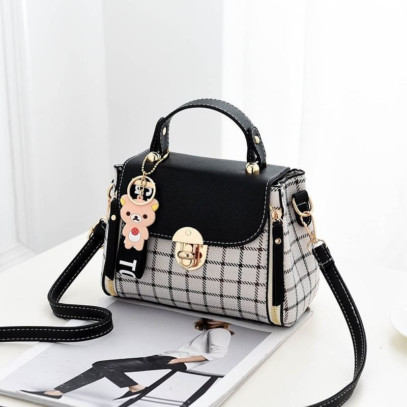 JT387 IDR.142.000 MATERIAL CANVAS SIZE L20XH15XW11CM WEIGHT 600GR COLOR BLACK