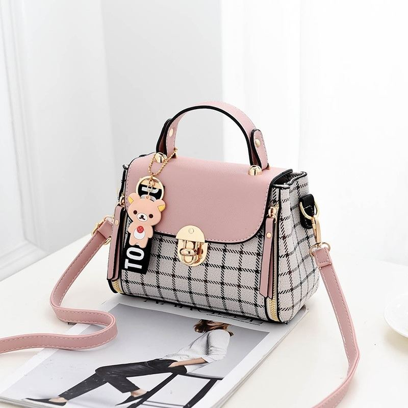 JT387 IDR.150.000 MATERIAL CANVAS SIZE L20XH15XW11CM WEIGHT 550GR COLOR PINK