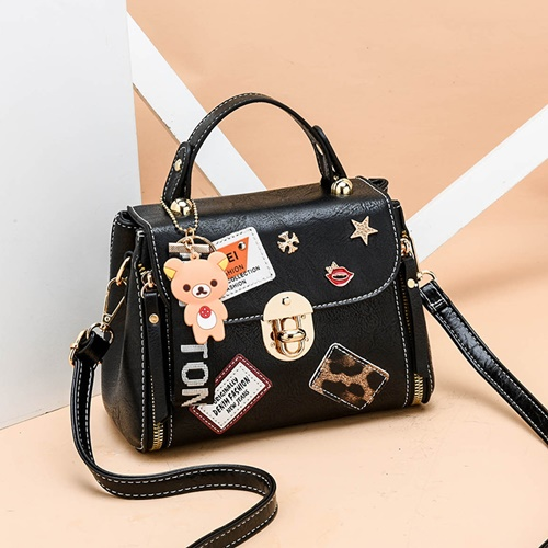 JT3901 IDR.162.000 MATERIAL PU SIZE L20XH15XW11CM WEIGHT 600GR COLOR BLACK