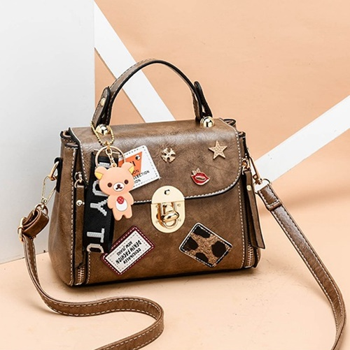 JT3901 IDR.162.000 MATERIAL PU SIZE L20XH15XW11CM WEIGHT 600GR COLOR KHAKI