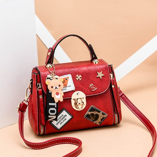 JT3901 IDR.162.000 MATERIAL PU SIZE L20XH15XW11CM WEIGHT 600GR COLOR RED