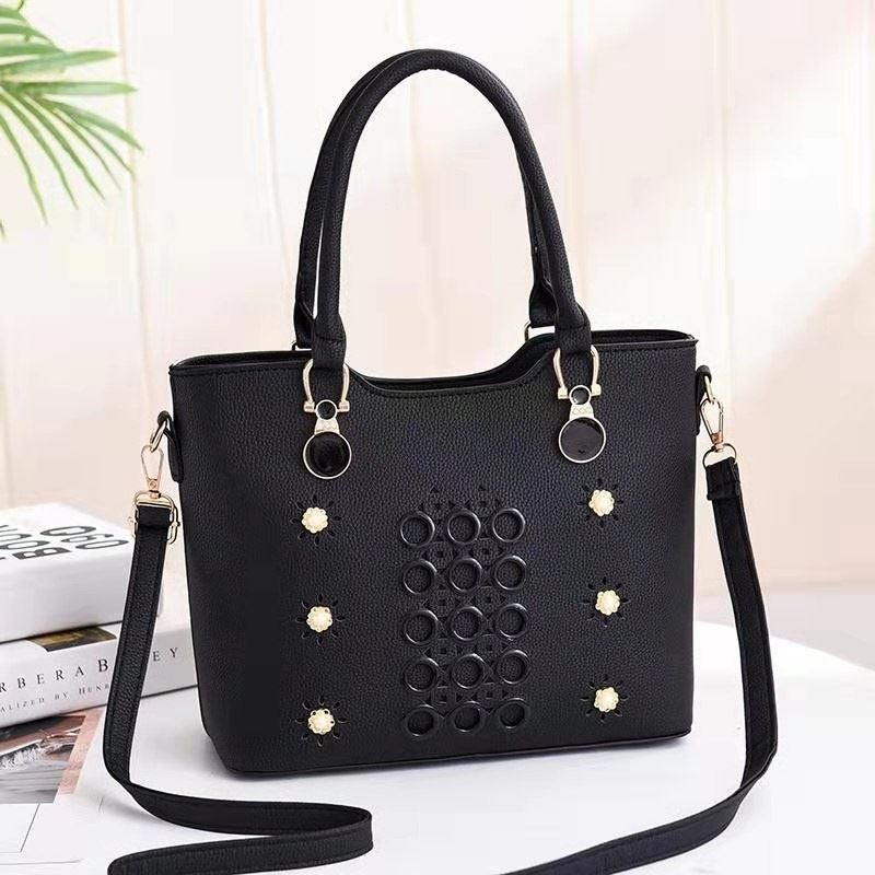 JT3912 IDR.160.000 MATERIAL PU SIZE L28XH23XW13CM WEIGHT 700GR COLOR BLACK