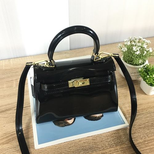 JT453 IDR.140.000 MATERIAL JELLY SIZE L20XH14XW10CM WEIGHT 550GR COLOR BLACK