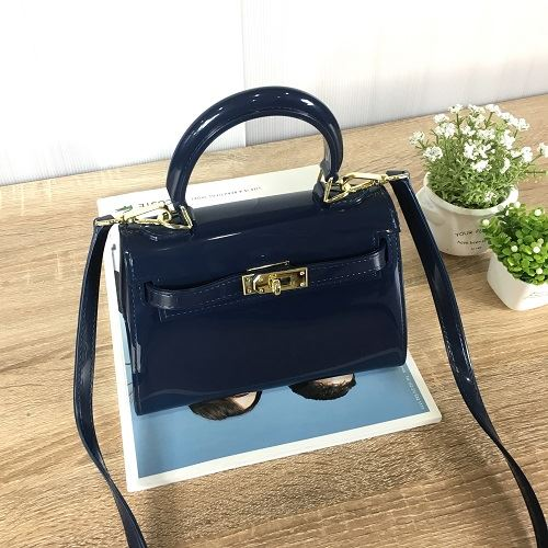 JT453 IDR.140.000 MATERIAL JELLY SIZE L20XH14XW10CM WEIGHT 550GR COLOR BLUE